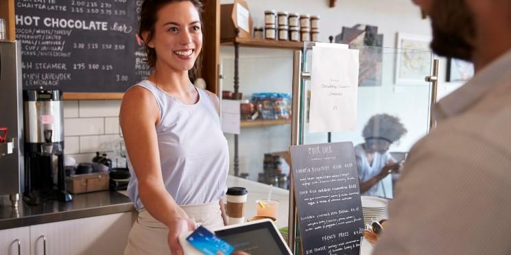 Pequenos negócios criaram 293 mil postos de trabalho em 2020