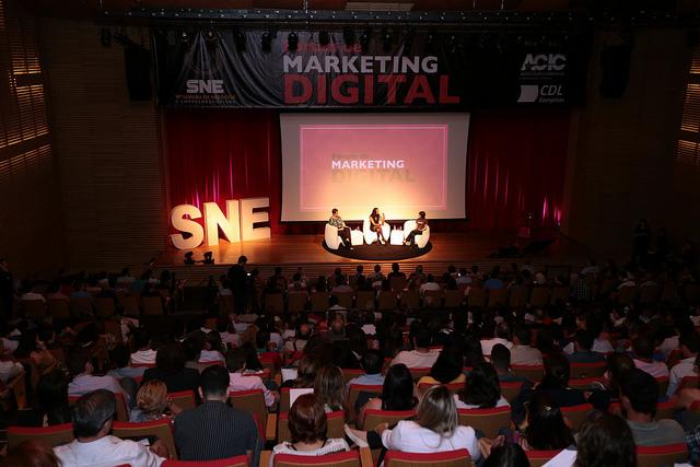 Fórum de Marketing Digital reúne cerca de 540 pessoas