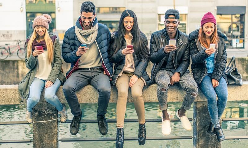 Conheça os hiperconectados, os jovens que estão mudando a forma como se vende hoje.