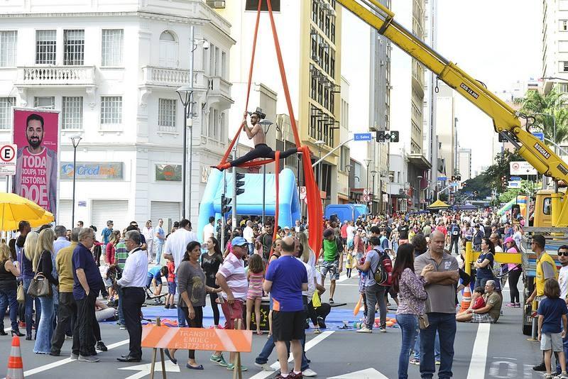 Viva Glicério atrai 22 mil e recompensa comerciantes que abriram no domingo