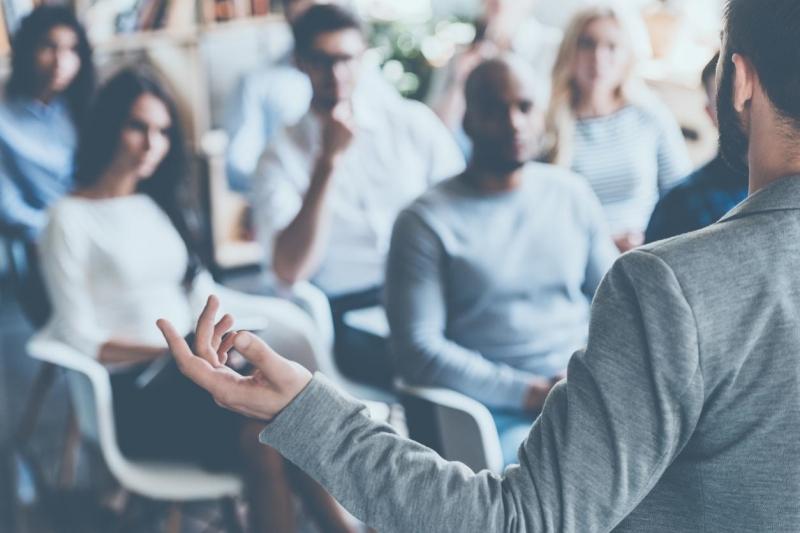 ACIC oferece treinamento gratuito com foco no Natal para colaboradores de todas empresas