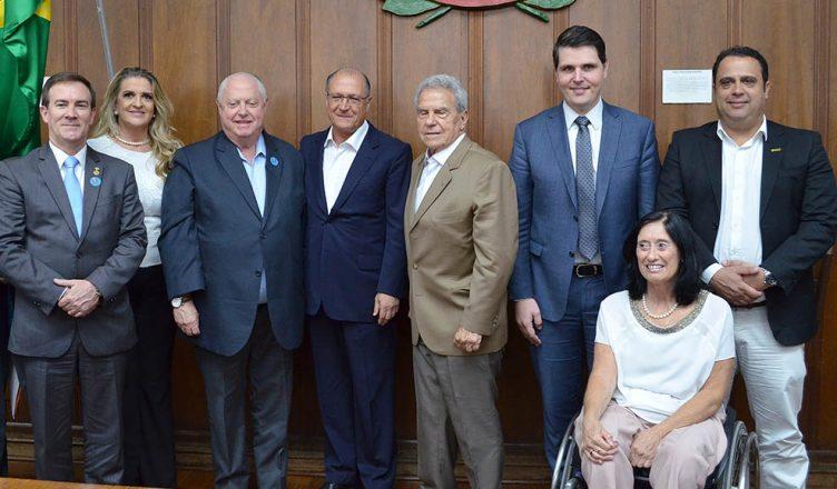 Governador Alckmin sanciona lei  que dá ao consumidor o direito de negociar dívida diretamente com credor