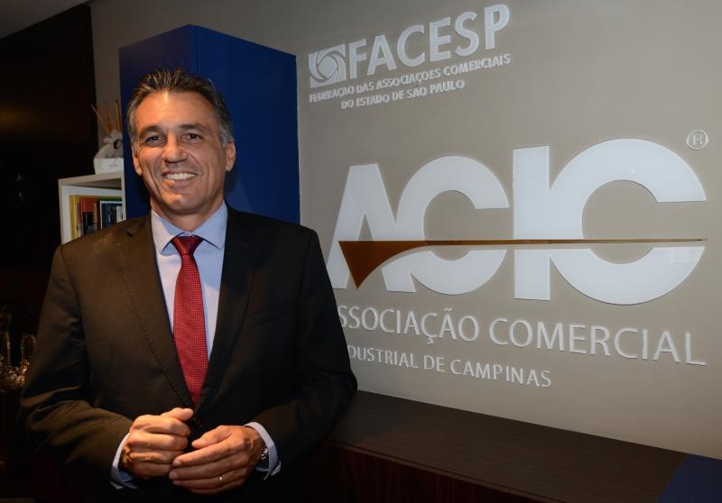 Presidente Guilherme Campos Júnior assume os Correios