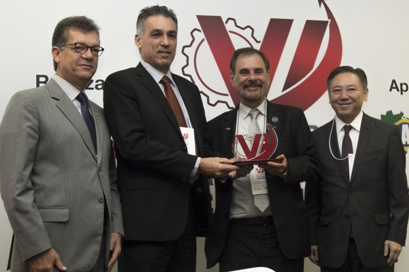 Sinfac-SP homenageia presidente e vice-presidente da ACIC em evento realizado pela primeira vez em Campinas